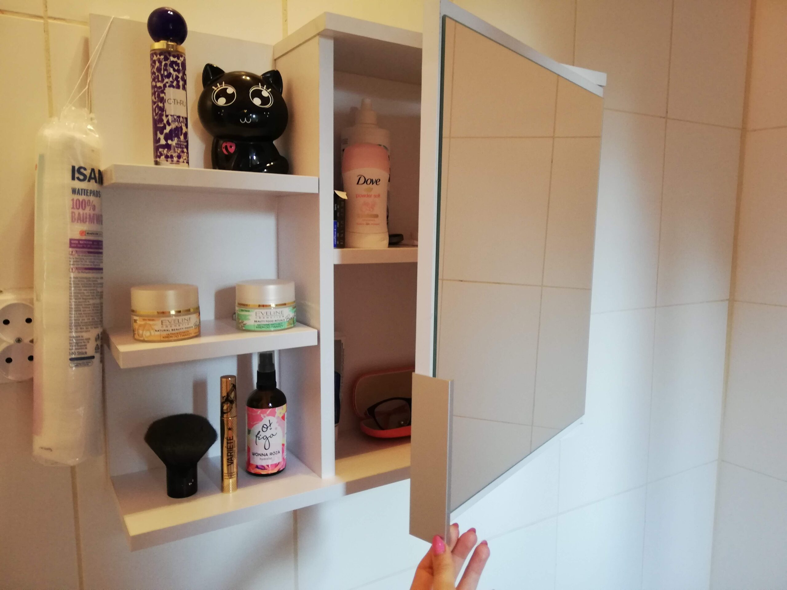 szafka z lustrem